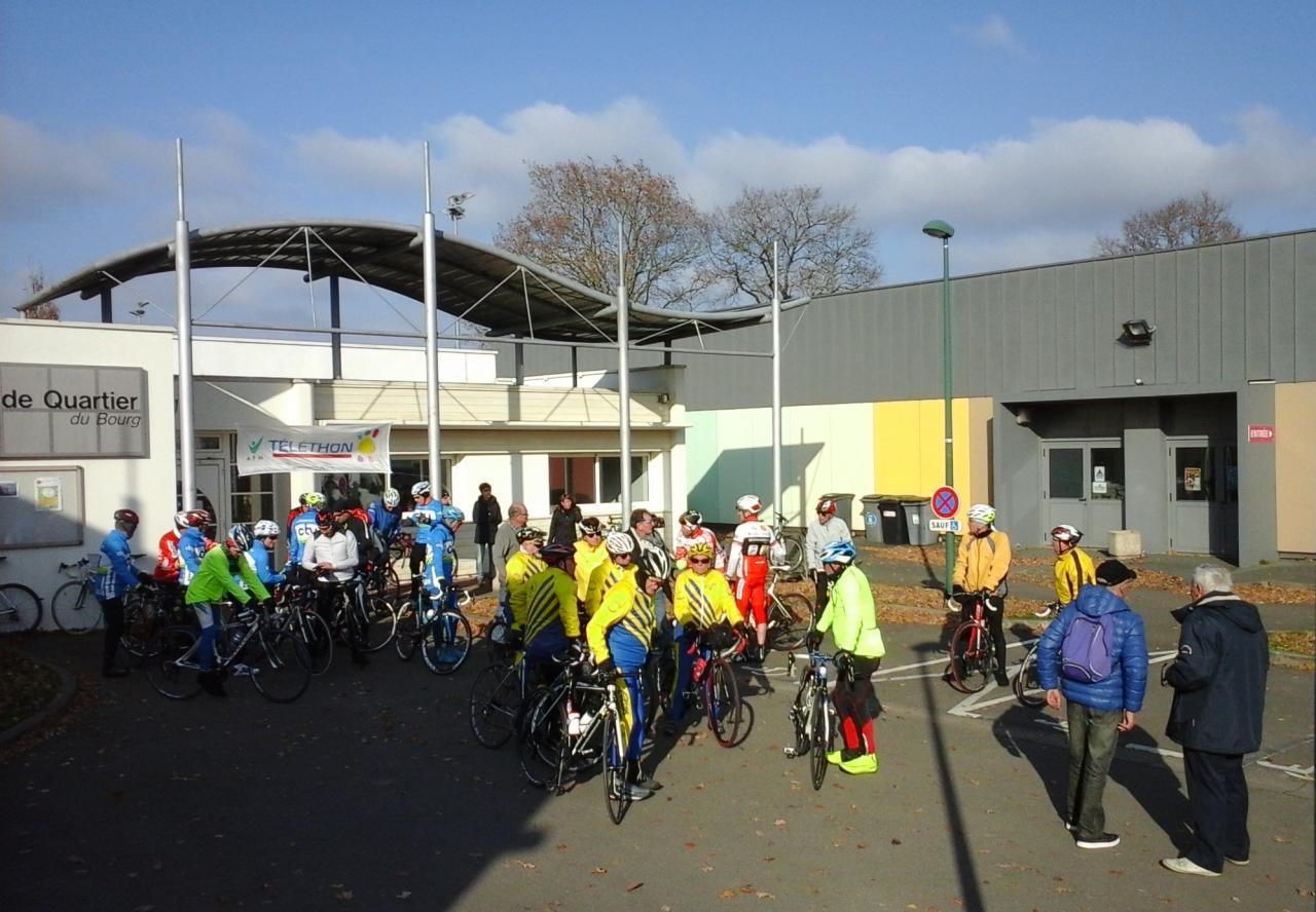 03/12/2016 - Téléthon - Avant le départ de la cyclo.