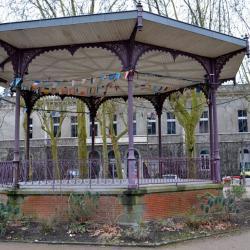 01 La Roche-sur-Yon-place Napoléon le Kiosque
