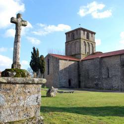 14 Pouzauges-Eglise romane Notre Dame
