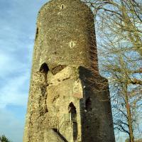 17 Vouvant-la tour mélusine vestige d'un château fort