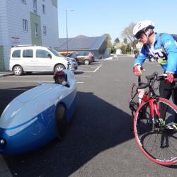 Arrivée du participant du vélomobile.
