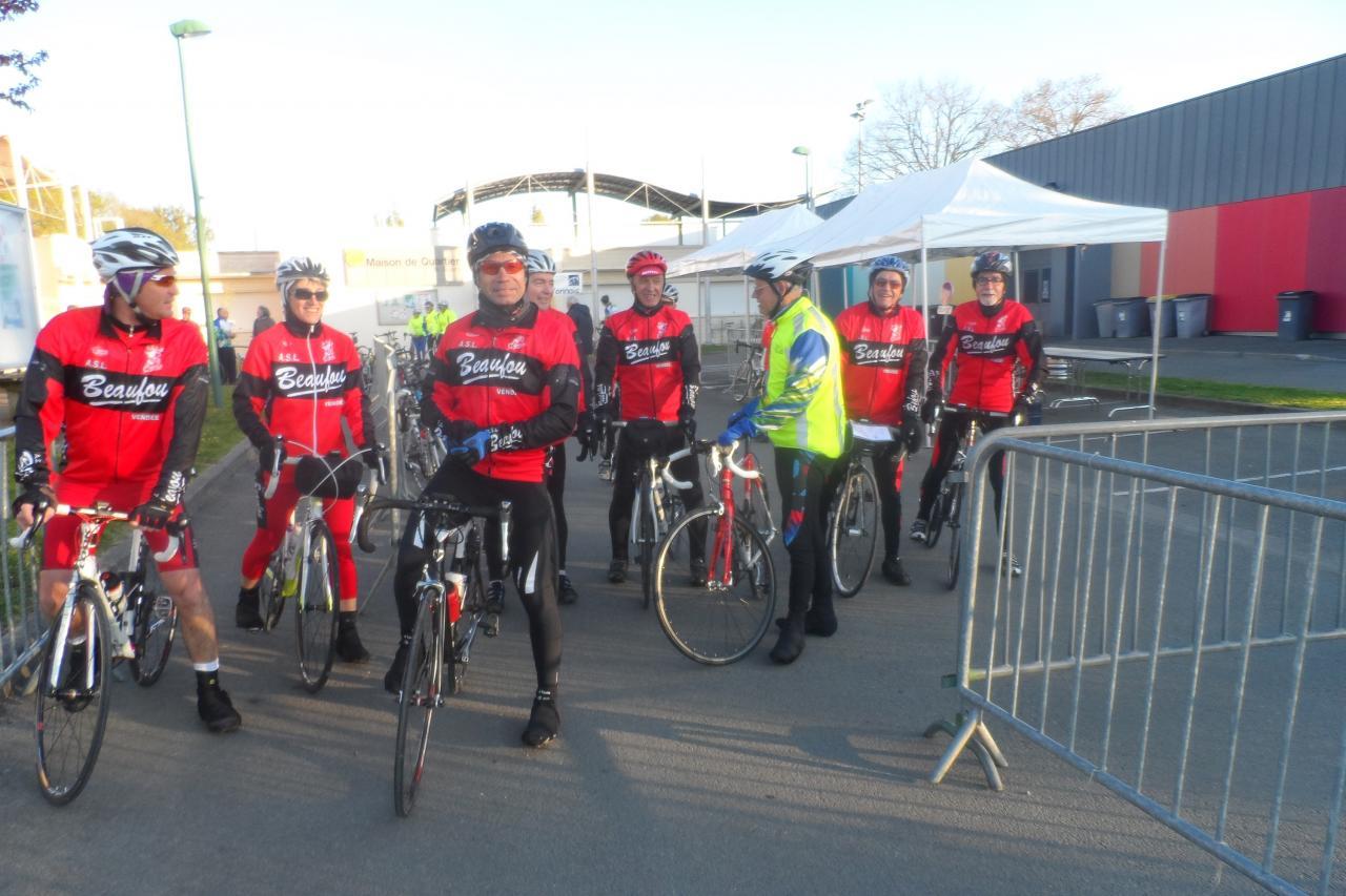 Les cyclos au départ_20160416_0004